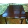 Продается полированный обеденный стол